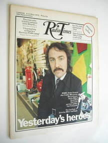 <!--1972-05-06-->Radio Times magazine - Jimmy Greaves cover (6-12 May 1972)