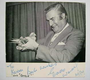 Eddie Waring autograph