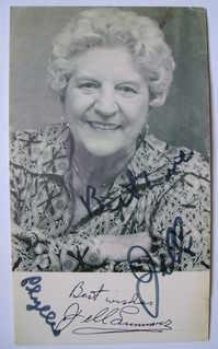 Jill Summers autograph