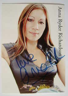 Anna Ryder Richardson autograph (hand-signed photograph)