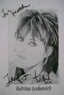 Katrina Leskanich autograph