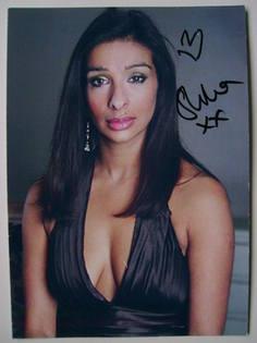 Shobna Gulati autograph