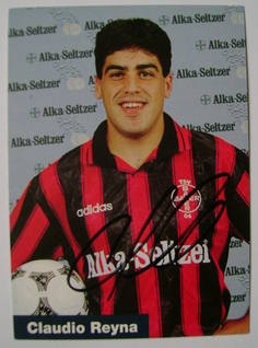 Claudio Reyna autograph