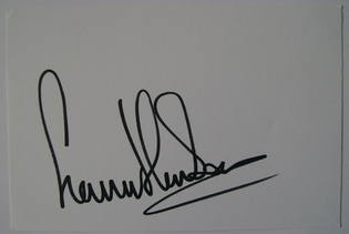 Gavin Henson autograph (hand-signed white card)