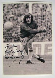 Pat Jennings autograph