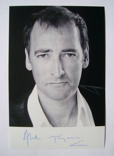 Alistair McGowan autograph (hand-signed photograph)