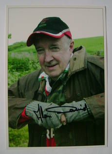Alan David autograph (hand-signed photograph)