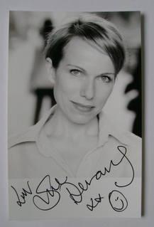 Sue Devaney autograph