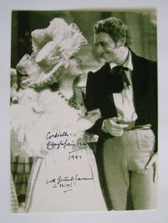 Douglas Fairbanks Jr autograph (hand-signed photograph)