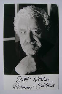 Bernard Cribbins autographed photo
