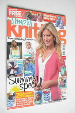 Simply Knitting magazine (Issue 83 - August 2011)