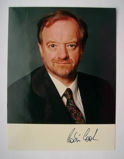 Robin Cook autograph