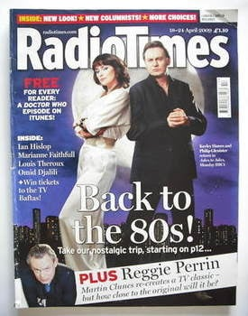 <!--2009-04-18-->Radio Times magazine - Keeley Hawes and Philip Glenister c