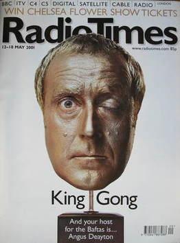 <!--2001-05-12-->Radio Times magazine - Angus Deayton Bafta cover (12-18 Ma