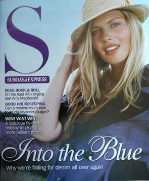 <!--2008-08-31-->Sunday Express magazine - 31 August 2008 - Into The Blue c