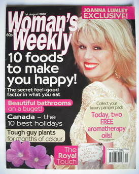 <!--2000-08-01-->Woman's Weekly magazine (1 August 2000 - Joanna Lumley cov