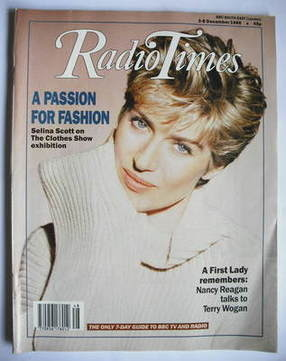 <!--1989-12-02-->Radio Times magazine - Selina Scott cover (2-8 December 19