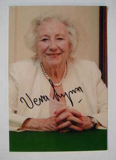 Vera Lynn autograph - signed photo