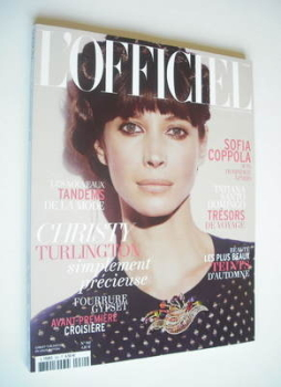 L'Officiel Paris magazine (November 2011 - Christy Turlington cover)