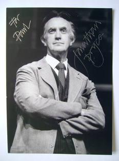 Jonathan Pryce autograph