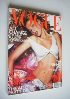 <!--2001-04-->British Vogue magazine - April 2001 - Gisele Bundchen cover
