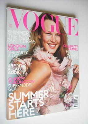 <!--2000-07-->British Vogue magazine - July 2000 - Amy Lemons cover
