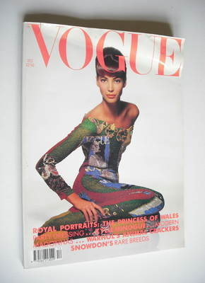 <!--1990-12-->British Vogue magazine - December 1990 - Christy Turlington c
