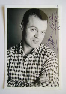 Graham Norton autograph (hand-signed photograph)