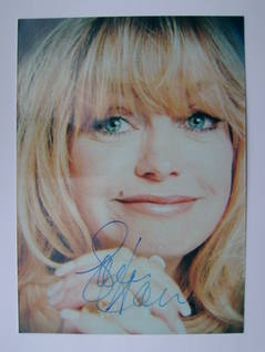 Goldie Hawn autograph (hand-signed photograph)