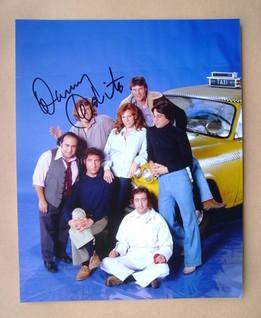 Danny DeVito autograph (hand-signed photograph)