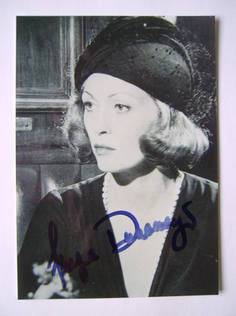 Faye Dunaway autograph (hand-signed photograph)