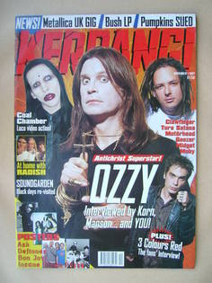 <!--1997-11-01-->Kerrang magazine - 1 November 1997 (Issue 672)
