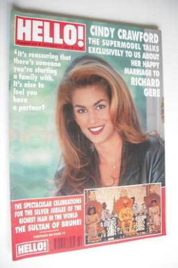 <!--1992-10-17-->Hello! magazine - Cindy Crawford cover (17 October 1992 -