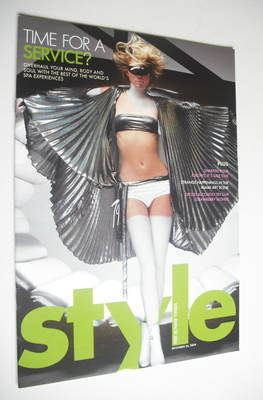 <!--2004-12-26-->Style magazine - Time For A Service cover (26 December 200