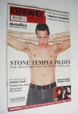 <!--2001-07-28-->Kerrang magazine - Scott Weiland cover (28 July 2001 - Iss