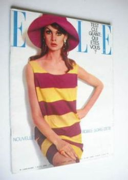 French Elle magazine - 22 July 1965 - Jean Shrimpton cover