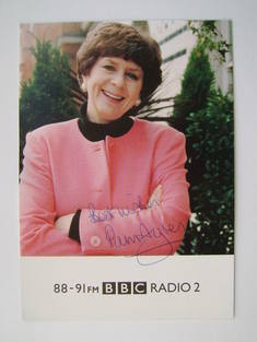 Pam Ayres autograph