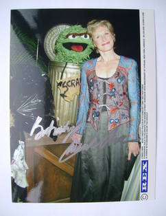 Glenn Close autograph (hand-signed photograph)