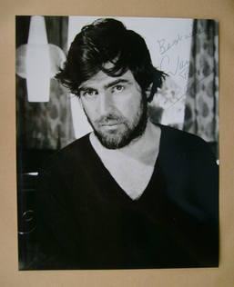 Alan Bates autograph (hand-signed photograph)