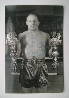 Henry Cooper autograph (hand-signed photograph, dedicated)