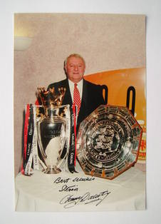 Tommy Docherty autograph