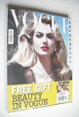 <!--2012-11-->Vogue Italia magazine - November 2012 - Kate Upton cover
