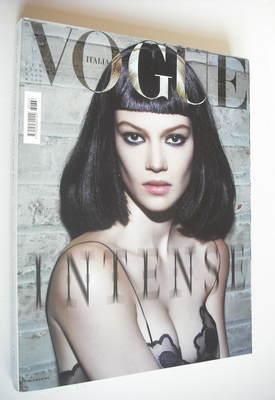 <!--2006-02-->Vogue Italia magazine - February 2006 - Heather Bratton cover