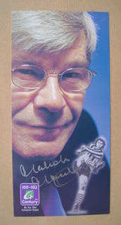 Malcolm Macdonald autograph
