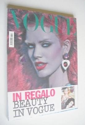 <!--2009-11-->Vogue Italia magazine - November 2009 - Rianne Ten Haken cove