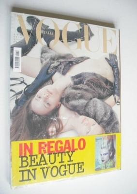 <!--2010-11-->Vogue Italia magazine - November 2010 - Freja Beha Erichsen a