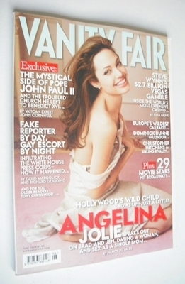 <!--2005-06-->Vanity Fair magazine - Angelina Jolie cover (June 2005)