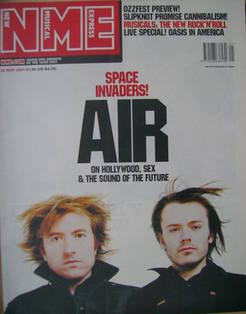<!--2001-05-26-->NME magazine - Air cover (26 May 2001)
