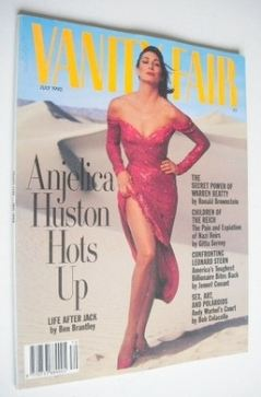 <!--1990-07-->US Vanity Fair magazine - Anjelica Huston cover (July 1990)