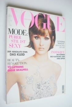 German Vogue magazine - August 1995 - Trish Goff cover